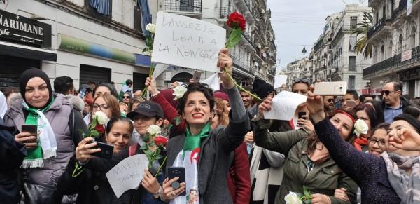 Direct : Des centaines de milliers de manifestants à Alger : Toute  l'actualité sur liberte-algerie.com